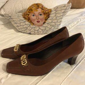 Atiene Aigner Bruin Formal shoes